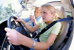 Autoškola a blondýnka