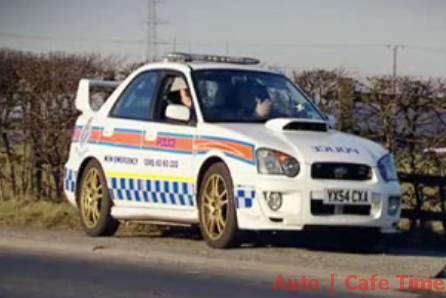Policejní auta - Subaru Impreza Wrx Sti honí zločince (VIDEO)